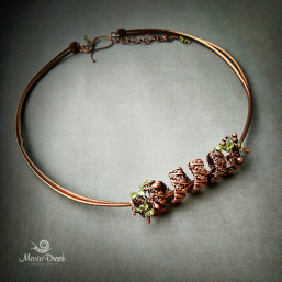 necklace 2 257x257 - Украшение на шею «Женщины, как доброе  вино...»