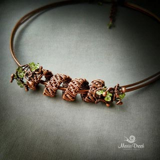 necklace 3 320x320 - Украшение на шею «Женщины, как доброе  вино...»