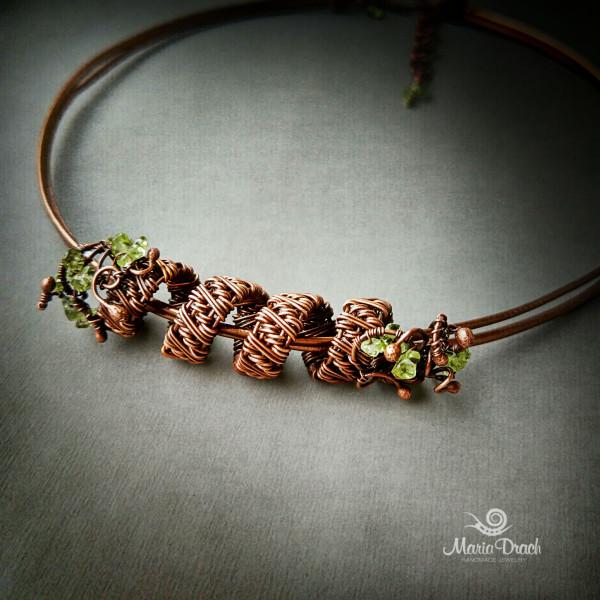 necklace 3 600x600 - Украшение на шею «Женщины, как доброе  вино...»