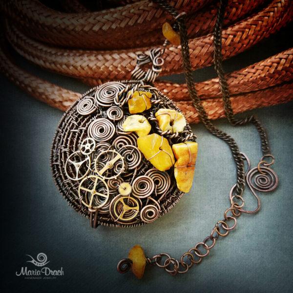 Steampunk pendant 4 600x600 - Медальон в стиле Steampunk